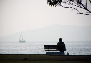 yalnizlik_loneliness_alone_yalniz_yelkenli_deniz_agac_bank